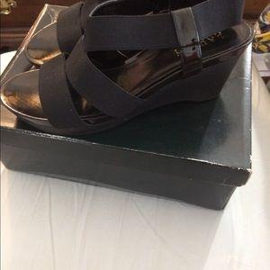 womens shoes size 9 1/2B Ralph Lauren Sandel